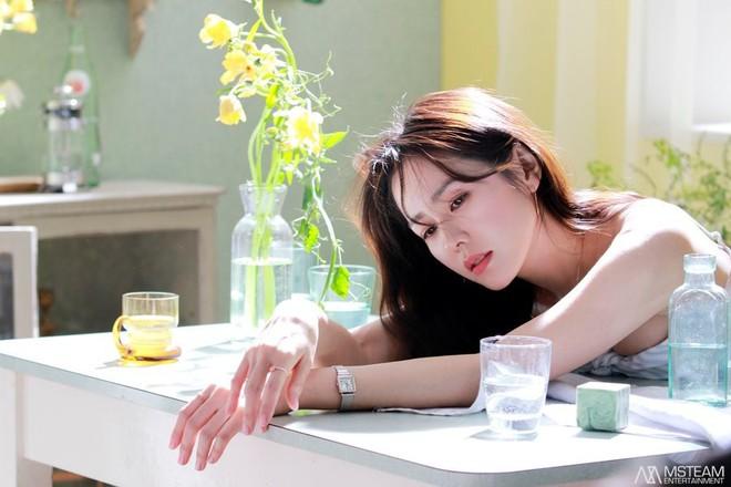 Hình hậu trường của Son Ye Jin chứng minh tường thành nhan sắc thì không cần photoshop - ảnh 2