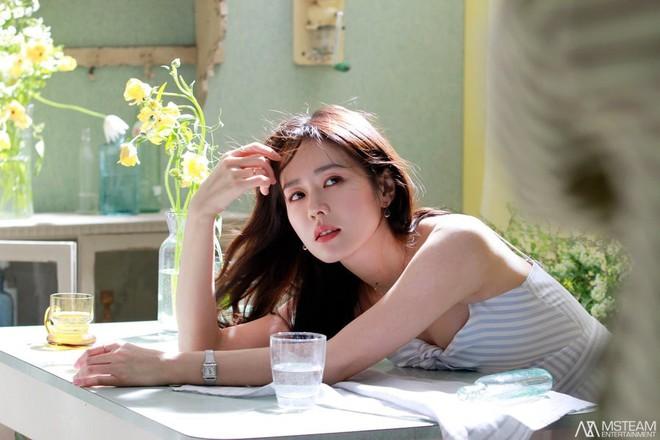 Hình hậu trường của Son Ye Jin chứng minh tường thành nhan sắc thì không cần photoshop - ảnh 5