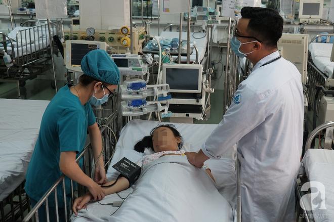 Long An: Bé gái 13 tuổi ói ra máu ồ ạt, tính mạng bị đe dọa vì căn bệnh rất hiểm - Ảnh 6.