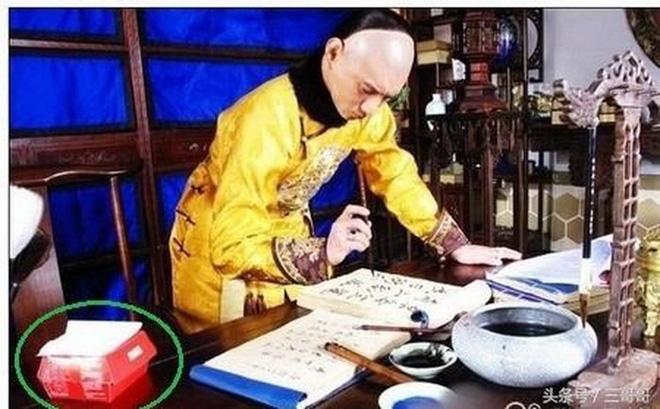 Sạn ngớ ngẩn trong phim Hoa ngữ: Đồ vật hiện đại xuyên không về thời xưa, diễn viên quần chúng bất chấp phá hoại cảnh quay - ảnh 15