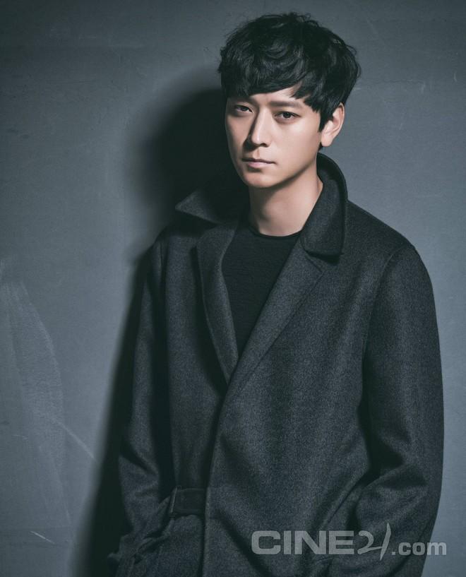Kang Dong Won: Cực phẩm mỹ nam và nghi án thương thầm trộm nhớ Song Hye Kyo nhưng phải rút lui vì Song Joong Ki xuất hiện - Ảnh 4.