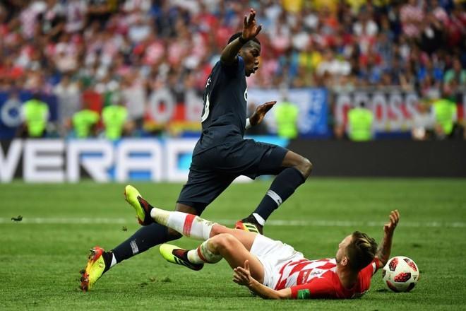Man United khấp khởi mừng, bởi trở lại là một Pogba vụt vươn vai sáng chói 5