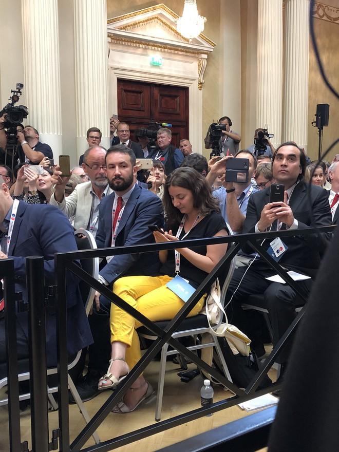 [CẬP NHẬT] Lãnh đạo Nga - Mỹ lặng như tờ trên bàn tiệc sau cuộc gặp 1-1 dài hơi - Ảnh 2.