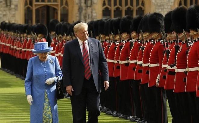 Ông Trump ấn tượng về Nữ hoàng Elizabeth