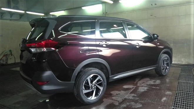 Toyota Rush 2018 vừa xuất hiện tại đại lý ở Hà Nội có giá bao nhiêu? - Ảnh 1.