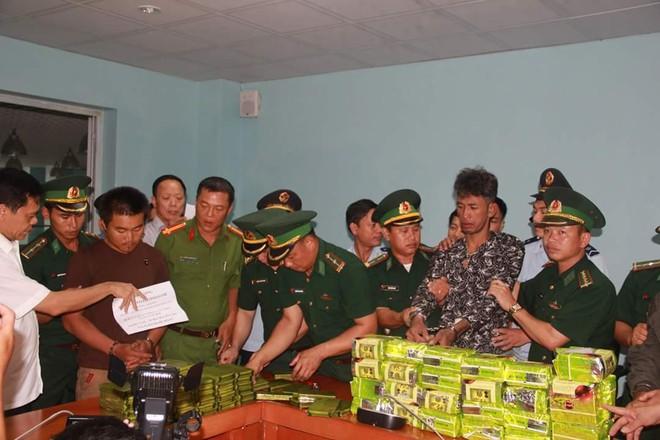 3 người Lào đi xe bán tải mang cả yến ma tuý vào Việt Nam để bán - Ảnh 2.
