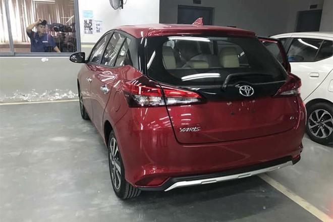 Cận cảnh Toyota Yaris 2018 về đại lý, mức giá chào bán bất ngờ - Ảnh 3.