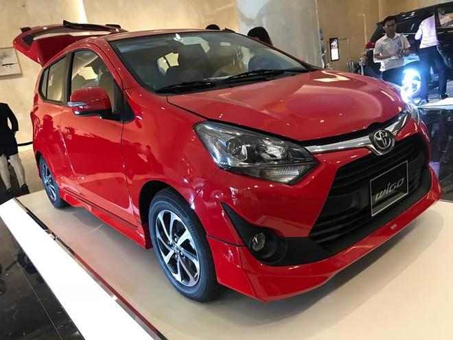 Soi chi tiết Toyota Wigo giá rẻ, và Toyota Avanza nhập khẩu vừa lộ diện ở Việt Nam - Ảnh 1.