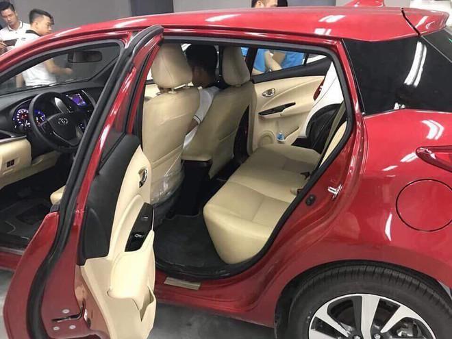 Cận cảnh Toyota Yaris 2018 về đại lý, mức giá chào bán bất ngờ - Ảnh 4.