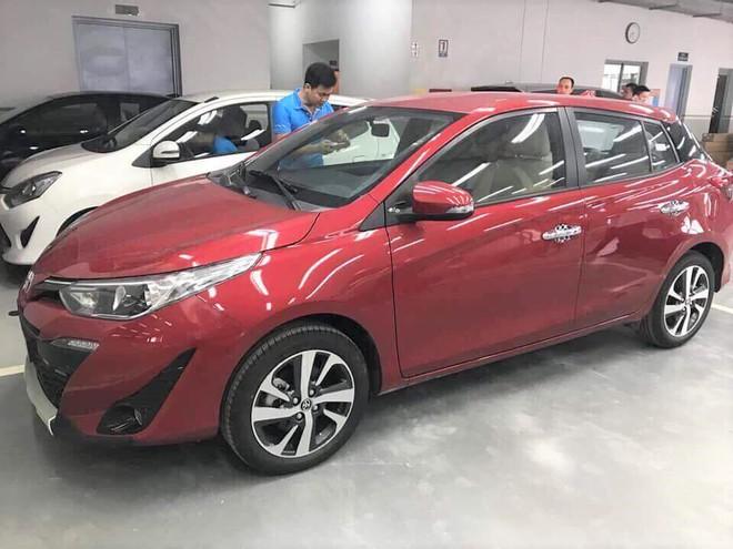 Cận cảnh Toyota Yaris 2018 về đại lý, mức giá chào bán bất ngờ - Ảnh 2.