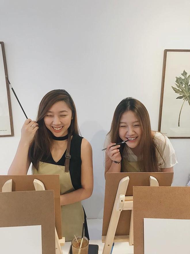 Ngoại hình xinh đẹp và cuộc sống sang chảnh của 2 cô em gái Trấn Thành - Ảnh 9.