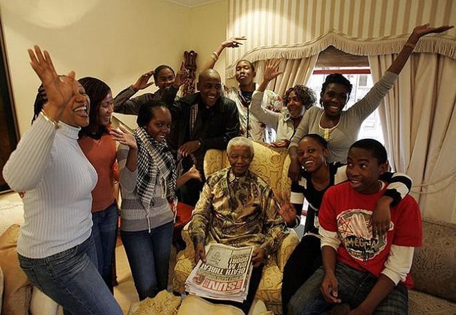 Câu chuyện về Nelson Mandela: Một cuộc đời phi thường - Ảnh 7.