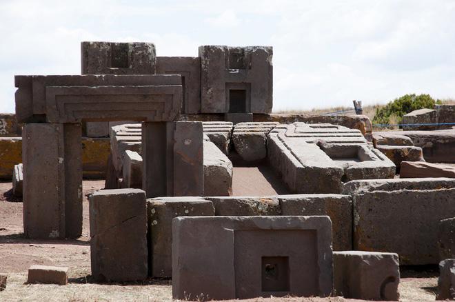 Sự phi lý thách thức mọi khái niệm logic của những tảng cự thạch khổng lồ  - Ảnh 7.