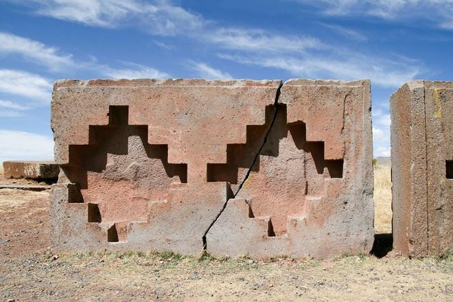 Sự phi lý thách thức mọi khái niệm logic của những tảng cự thạch khổng lồ  - Ảnh 9.