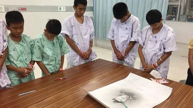 Thợ lặn cứu đội bóng Thái: Đã chuẩn bị tâm lý 3-5 cậu bé chết - Ảnh 6.