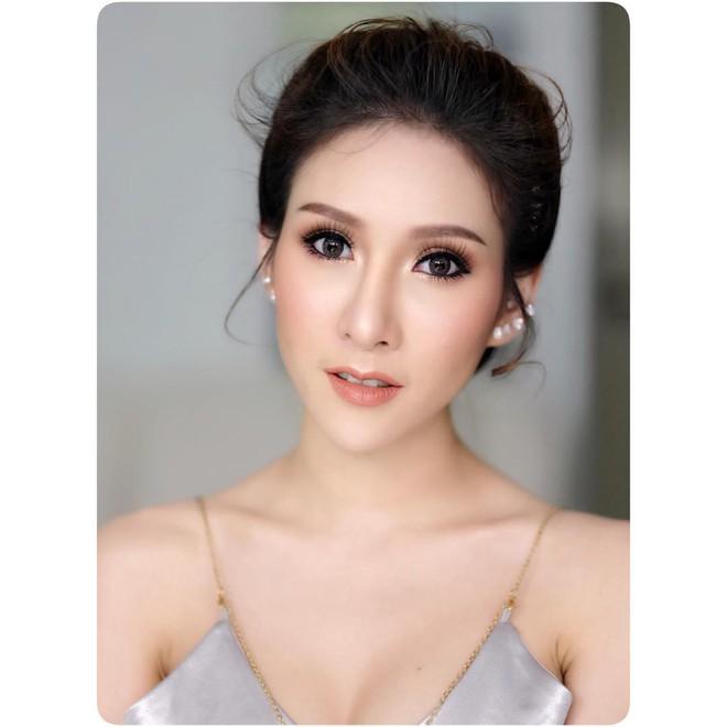 Vì đoạn clip gần 1 phút, dân mạng Việt ngẩn ngơ với vẻ sexy của cô nàng này