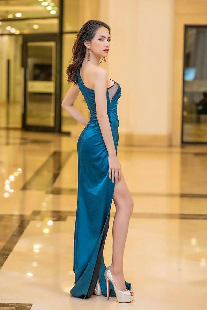 Danh hiệu Hoa hậu và sự bất thường của Hương Giang - Ảnh 1.