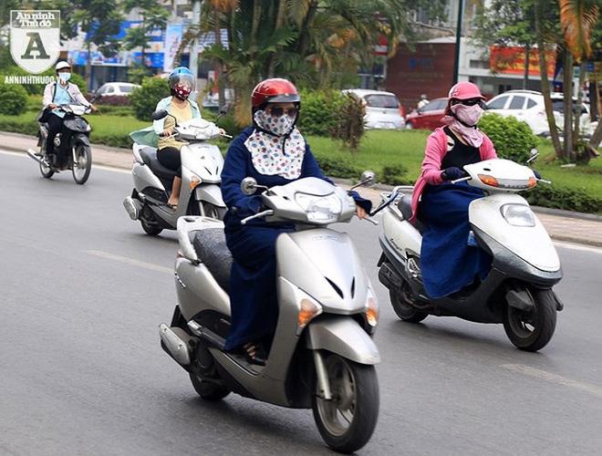 [ẢNH] Nắng nóng kéo dài, lại lo nguy cơ tai nạn giao thông cho những ninja đi xe máy - Ảnh 2.