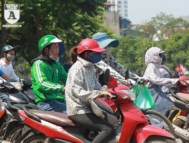 [ẢNH] Nắng nóng kéo dài, lại lo nguy cơ tai nạn giao thông cho những ninja đi xe máy - Ảnh 11.