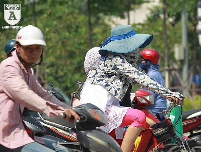 [ẢNH] Nắng nóng kéo dài, lại lo nguy cơ tai nạn giao thông cho những ninja đi xe máy - Ảnh 12.