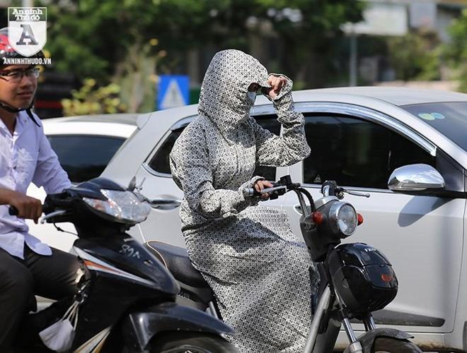 [ẢNH] Nắng nóng kéo dài, lại lo nguy cơ tai nạn giao thông cho những ninja đi xe máy - Ảnh 3.