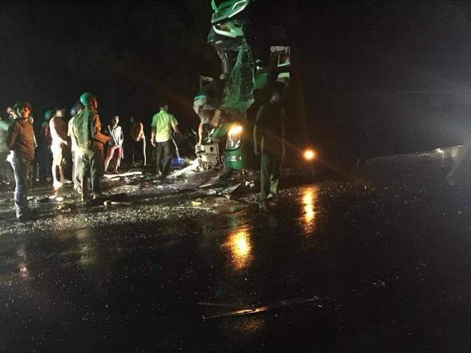 NÓNG: Tai nạn giữa 2 xe khách, 24 người bị thương  - Ảnh 1.