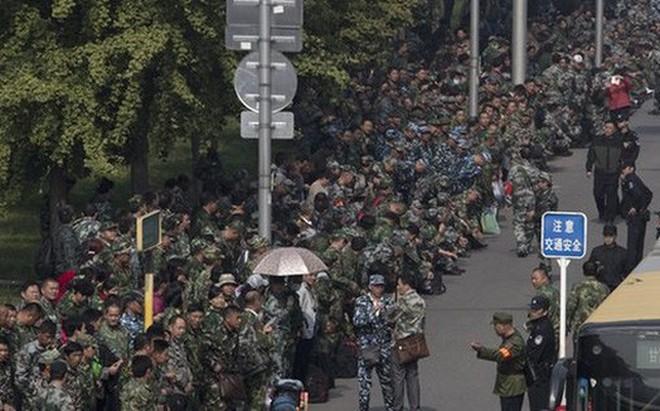 Khoảng 600 cựu binh Trung Quốc biểu tình vây trụ sở, quan chức cấp cao né không gặp