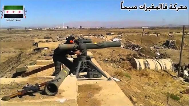 Mỹ giao dịch với quỷ dữ, tên lửa chống tăng TOW tràn ngập, QĐ Syria tổn thất nặng - Ảnh 5.