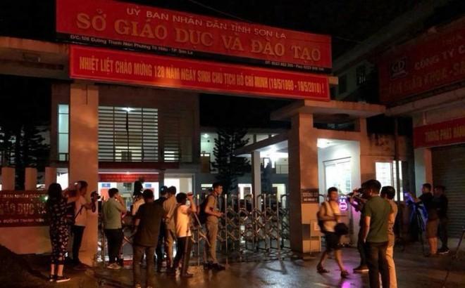 Cảnh sát bảo vệ nhiều tầng lớp trong đêm thứ 2 kiểm tra điểm thi bất thường ở Sơn La