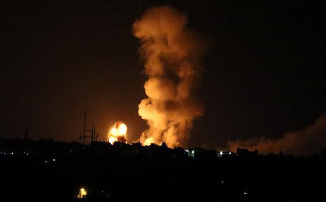 Israel ồ ạt nã tên lửa tấn công 60 mục tiêu Hamas, cuộc chiến Gaza lần thứ 4 cận kề