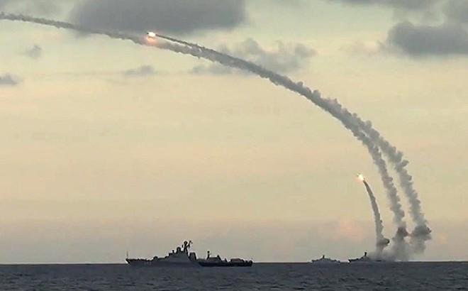 Putin - Kỳ thủ vĩ đại, bắt thóp Washington: Mỹ lộ nước cờ, bị Nga ép chết luôn và ngay!