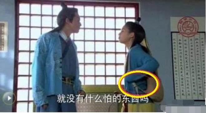 Sạn hài hước trong phim Hoa ngữ: Thời Tam Quốc có ô tô, người cổ đại đi giày Tây - Ảnh 7.