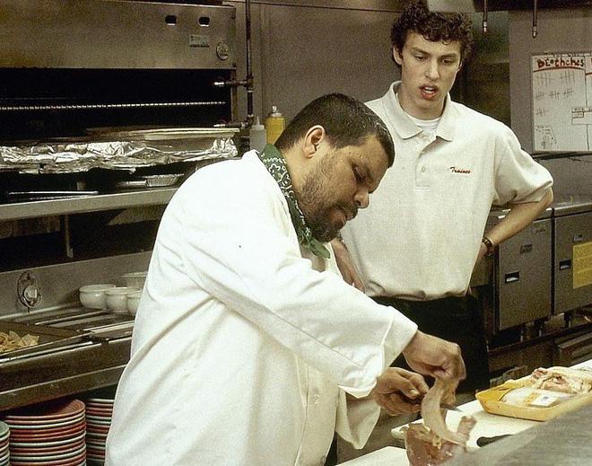 Tiết lộ đáng sợ sau hậu trường nhà hàng: Những món ăn mà đầu bếp không bao giờ sử dụng - Ảnh 4.