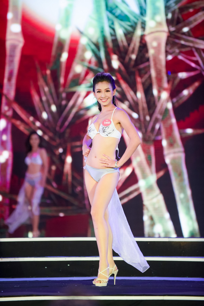 Màn diễn bikini nóng bỏng của 38 thí sinh lọt chung khảo phía Bắc Hoa hậu Việt Nam - Ảnh 6.