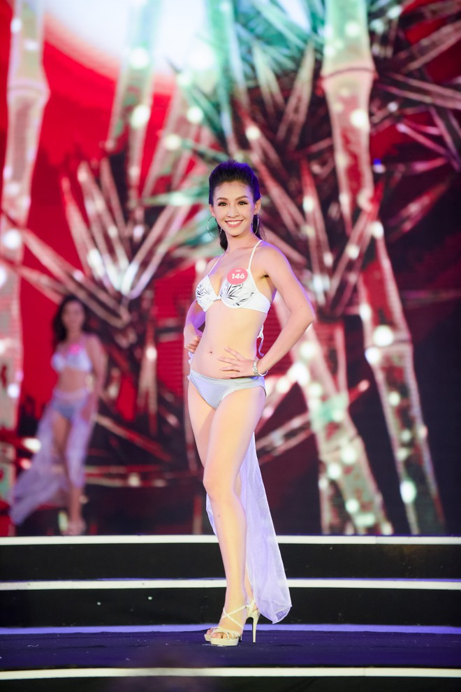 Màn diễn bikini nóng bỏng của 38 thí sinh lọt chung khảo phía Bắc Hoa hậu Việt Nam - Ảnh 5.
