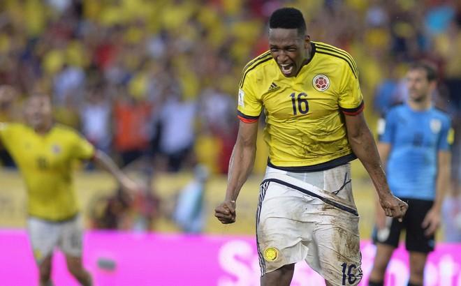 """Ghi bàn gấp 3 lần Messi, ngôi sao Nam Mỹ vẫn lo """"bật bãi"""" khỏi Barcelona"""