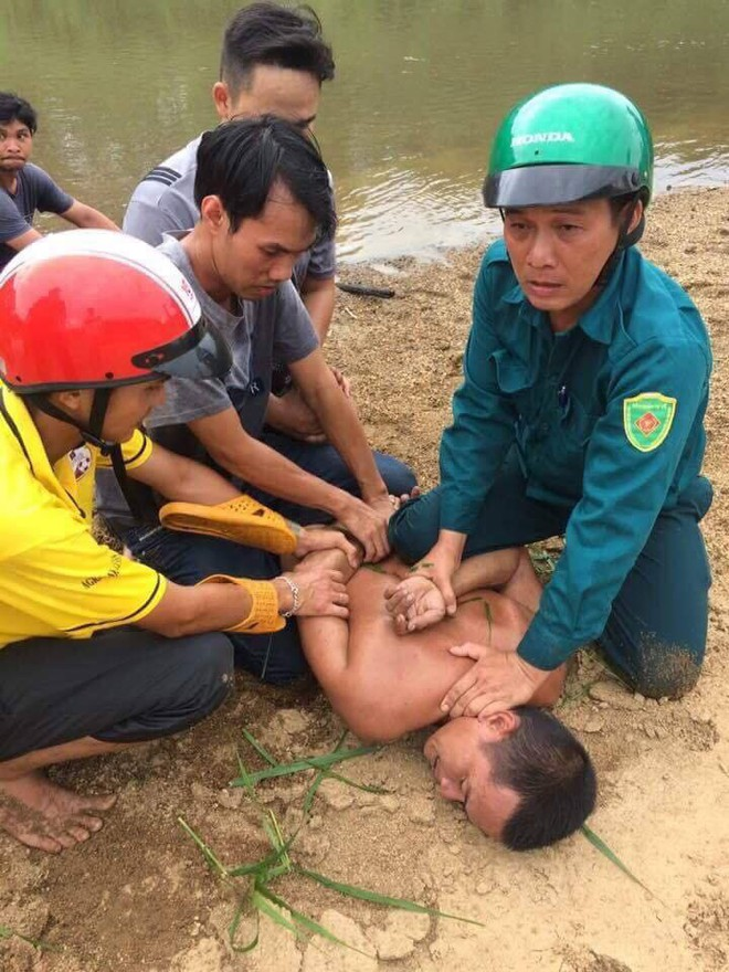 Hiện trường thảm án kinh hoàng 3 người tử vong nghi bị sát hại trong nghĩa địa ở Bình Định - Ảnh 6.