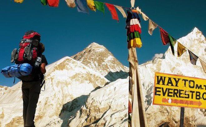 Những điều kỳ dị trên đỉnh Everest mà bạn sẽ không thể ngờ tới