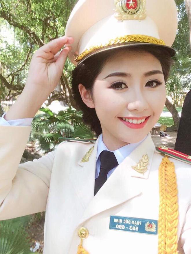 Cận cảnh nhan sắc nữ tiếp viên hàng không gây chú ý, lọt Chung kết Hoa hậu Việt Nam 2018 - Ảnh 4.