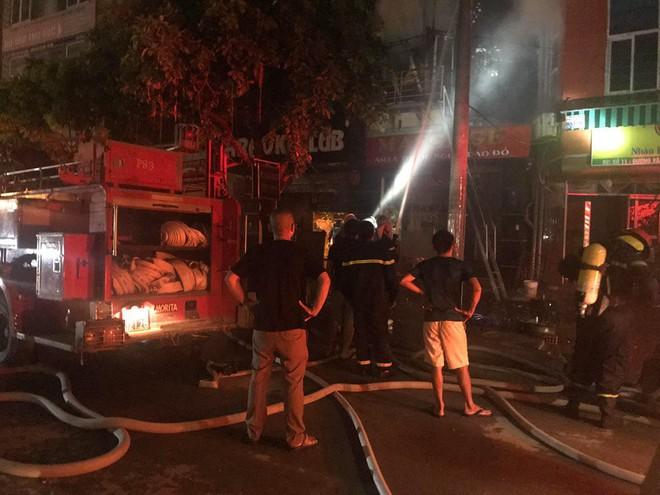 Quán massage 5 tầng ở Hà Nội bốc cháy ngùn ngụt 6