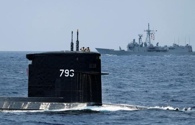 6 nhà thầu trợ giúp Đài Loan sản xuất vũ khí hạng nặng, nhắm thẳng gót chân Asin của TQ - Ảnh 1.