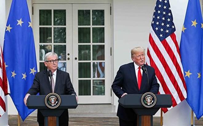 Chiến tranh thương mại: Mỹ và EU thỏa hiệp, bắt tay nhau cùng đối phó Trung Quốc
