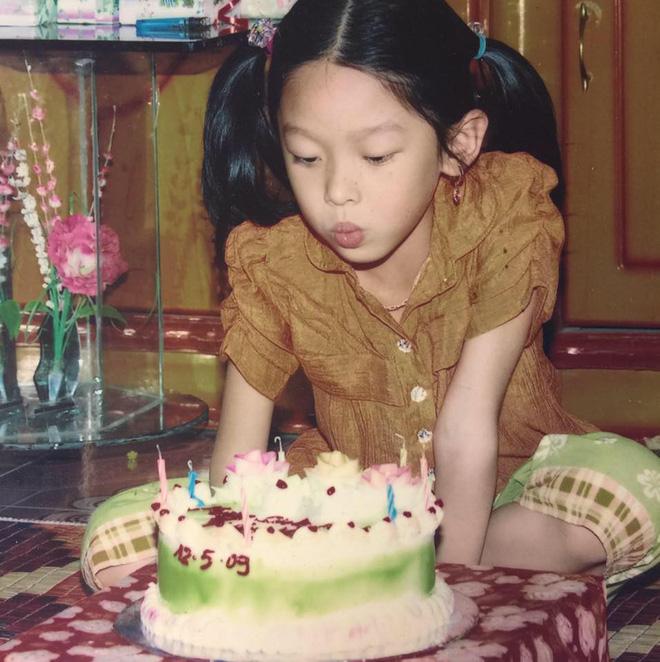 Nữ sinh Việt khiến dân mạng ngỡ ngàng vì giống Sulli từ gương mặt đến thần thái - Ảnh 15.