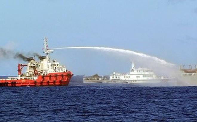 """Trung Quốc thay vòi rồng bằng pháo hạm, Biển Đông sắp """"dậy sóng""""?"""