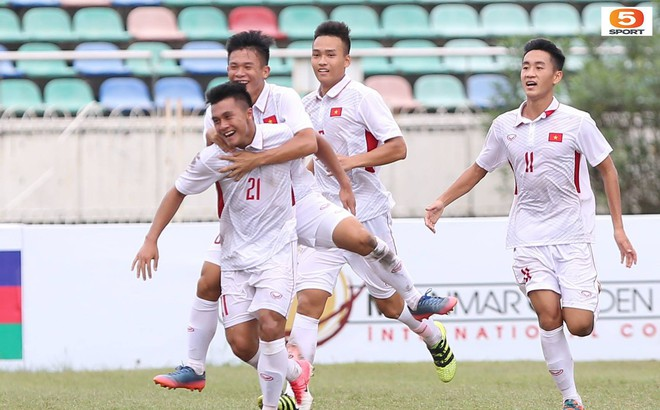 'Đè bẹp' U19 Philippines, U19 Việt Nam sáng cửa vào bán kết giải Đông Nam Á 1