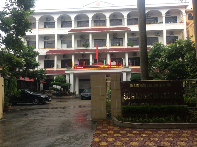 Vụ 8/51 bài thi Văn tăng điểm ở Lạng Sơn: Các thầy cô đã tự làm tường trình, viết kiểm điểm - Ảnh 2.