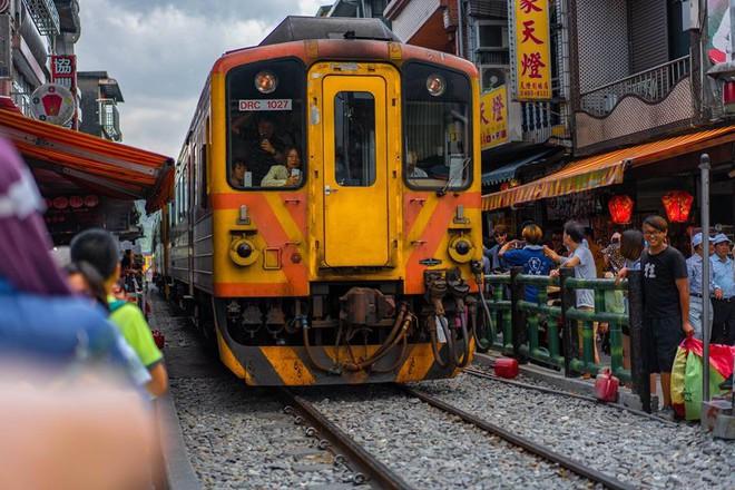 Chàng trai Việt một mình phượt từ Los Angeles đến Đài Loan bằng xe máy gần 40 ngày - Ảnh 8.
