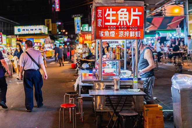 Chàng trai Việt một mình phượt từ Los Angeles đến Đài Loan bằng xe máy gần 40 ngày - Ảnh 2.