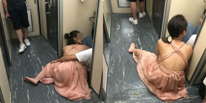 Đôi nam nữ Việt thản nhiên yêu nhau trước nhà vệ sinh trên tàu Đài Loan 1