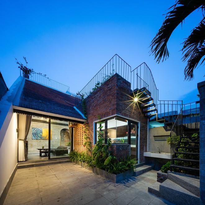 Báo Mỹ ngợi ca ngôi nhà gạch của vợ chồng già ở Đà Nẵng - Ảnh 1.